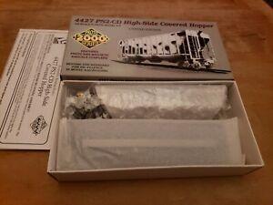 HO Lifelike Proto 2000 Kit 4427 PS2CD 21963 Covered Hopper Pillsbury TLDX P NEW
