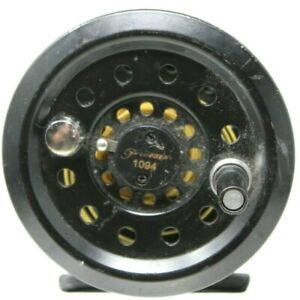 Vintage Pflueger by Shakespeare Model No. 1094 Fly Fishing Reel #D-11