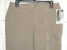 NWT Women's Lee Midrise Fit Straight Leg Essential Chino Pants Size 8 Long