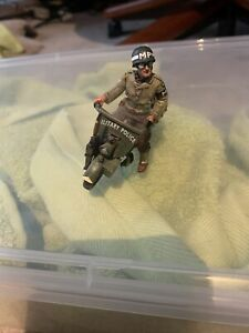 """WWII """"The Motorcycle MP"""" by King & Country D'Day Americans W/ Thompson Gun"""