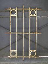 104 X 68 cm - Ancienne grille de défense de fenêtre, début XXème, fer forgé