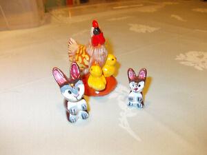 Keramik Huhn mit Kücken + 2 kleine Hasen