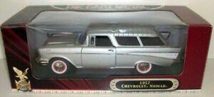 ROAD SIGNATURE 1/18 - 92088 1957 CHEVROLET NOMAD - SILVER