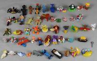 50 kleine Figuren - größtenteils wohl aus Ü-Eier - ca. 290 Gramm  /S283