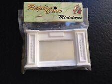 MN30b Panel Overmantle with Mirror Plaster RepliCast Miniatures Dollshouse