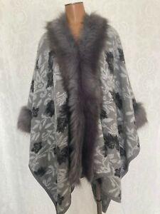 Neiman Marcus Gray Black Floral Poncho Cape With Faux Fur Trim Women's S/M