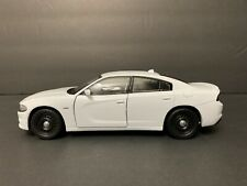 1/24 Dodge Charger 2016 POLICE WHITE BLANC. NEW !