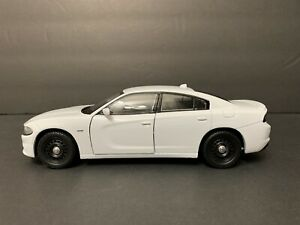 1/24 Dodge Charger 2016 POLICE WHITE BLANC. LAST ONE. NEW !