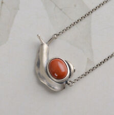 F05 Necklace Silver 925 Snail with Red Agate