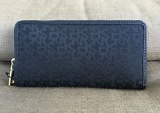 DKNY HERITAGE SIGNATURE JACQUARD  ACCORDION ZIP AROUND WOMAN'S WALLET