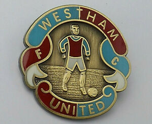 35m ENAMEL BADGE PIN WEST HAM UNITED FOOTBALL CLUB SOCCER HAMMERS OLD STYLE RARE