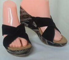 Minnetonka KYLIE Black Suede Leather S/W pattern Wedge Heel Sandals Size 8