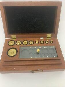 ANTIQUE BRASS SCALE WEIGHT SET IN ORIGINAL WOODEN BOX