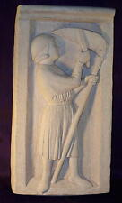 Bas relief médiéval  Faucheur de blé  - décoration médiévale pierre