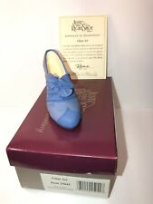 "Just The Right Shoe 1999 ""Class Act"" #25042 with Box & Coa By Raine"