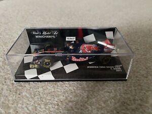 1/43 Minichamps Scuderia Toro Rosso STR6 Buemi 2011 410110018 - Mint