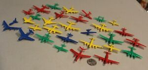 30 Vintage MPC Plastic AIRPLANES playset Premiums Toy Planes p-40 b-10 ht-2 nice
