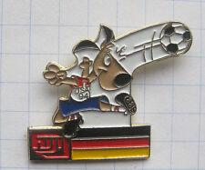 Fuji/scelta, Mondiali calcio 94 USA/Striker/Germania... SPORT/foto pin (105h)