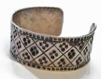 Antiker Armreif Silber Geometrisches Dekor Handgemacht
