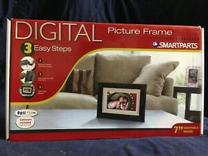 SmartParts SP700B Digital Picture Frame