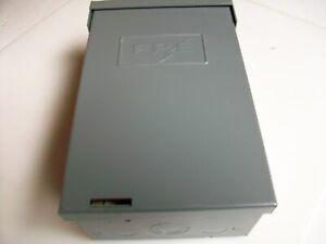 FPE RH102-4 RAINTIGHT CIRCUIT BREAKER BOX WITH DP 50 A 120/240 BREAKER