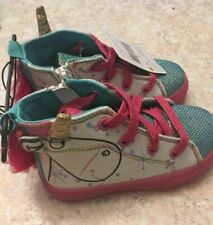 Despicable Me Girls Hightop Sneakers  Size 8  NWT