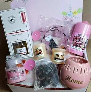 CANDLE HAMPER NEW HOME WEDDING PRESENT GIFT BOX FRIEND DAUGHTER WORK MATE COUPLE