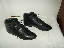 CARRIAGE COURT Vintage Ankle Granny Grunge  Women's Black Boots Size 7 M