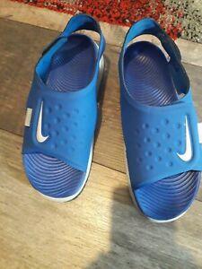 Boys Nike Sandals Size 3.5