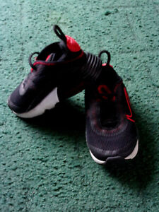 Nike Air Max 2090 Infant size 5.5  eur 22
