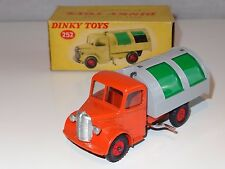 dinky BEDFORD REFUSE WAGON  - 252 rare green plastic shutters