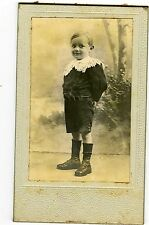 PHOTO CDV un petit garçon pose mode fashion circa 1900 dos muet