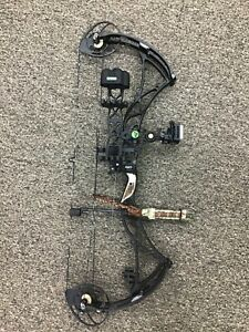 Bowtech Reign 7 Right Hand 60-70# All Black with custom grip