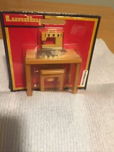 Vintage LUNDBY Dollhouse Sewing Machine, Table & Bench  MIP