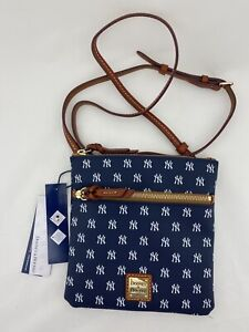 Dooney & Bourke MLB New York Yankees Double Zip Crossbody Navy $128 NWT