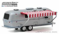 A.S.S NEU GreenLight 1/64 Airstream Double-Axle Land Yacht Safari 1972