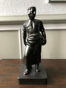 Skulptur Figur Wehrhafter Schmied von Aachen Reduktion Denkmal Kunstguß Eisen