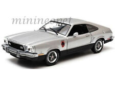 GREENLIGHT 12890 1976 76 FORD MUSTANG II STALLION 1/18 SILVER / BLACK