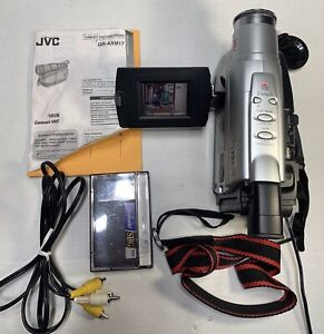 JVC GR-AXM17U VHS-C Video Camera Camcorder 800x Zoom! TESTED WORKING With Manual