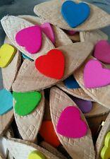 JOB LOT 50 fatto a mano caramelle colorate in legno cuore SPILLE, SPILLETTE-Festa Di Nozze Favori
