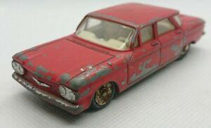 #370 - Dinky Toys Chevrolet Corvair rouge N°552 Jouet ancien