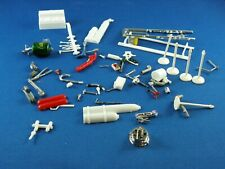 1/25 GARAGE TOOLS AND ASSORTED EQUIPMENT FOR DIORAMA BUILDER