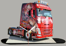 Camions miniatures rouges Volvo
