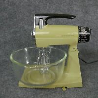 Vintage Sunbeam MixMaster Green Avocado Kitchen Stand Mixer Bowls Beaters Works