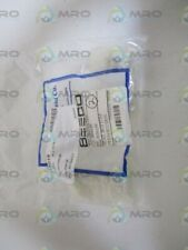 LOT OF 2 BEECO SEAT, BOTTOM PLUG/SUCTION J036139 *NEW IN BAG*