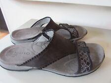 Merrell womens 9 sandals EXCELLENT Qform