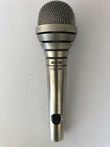 AKG - D 330 BT micro dynamique cardoide
