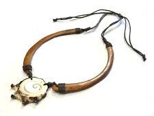 Bijou collier coquillage oeil de Sainte Lucie monté sur bois et cuir necklace