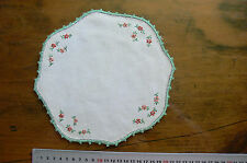 Vintage Hand Embroidered IVORY Linen Doily Round & Edge 21cm Approx