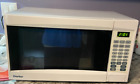 Danby 1 cu.ft. Countertop Microwave Oven - White photo